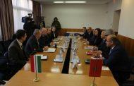 السيد محمد ساجد يدعوا إلى تعزيز الخطوط الجوية بين المغرب وهنغاريا.