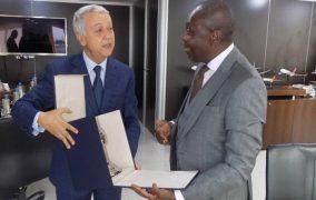 تعزيز التعاون الثنائي في مجال السياحة والنقل الجوي محور اللقاء بين السيد ساجد وسفير جمهورية البنين.